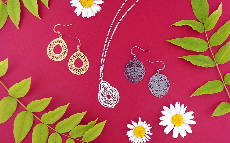 lavishy design and wholesale original, beautiful and affordable filigree earrings and necklaces to gift shops, clothing and fashion accessories boutiques, book stores in Canada, USA and worldwide.